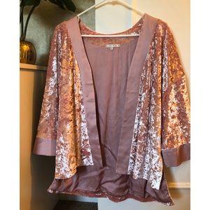 🌷HOST PICK 🌷 NWOT- WILLOW & CLAY Velvet Kimono